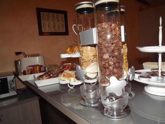 La Torretta Cheap & Chic : Buffet colazione