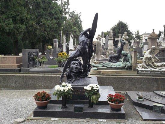 Monumental Cemetery: Monumento tombale