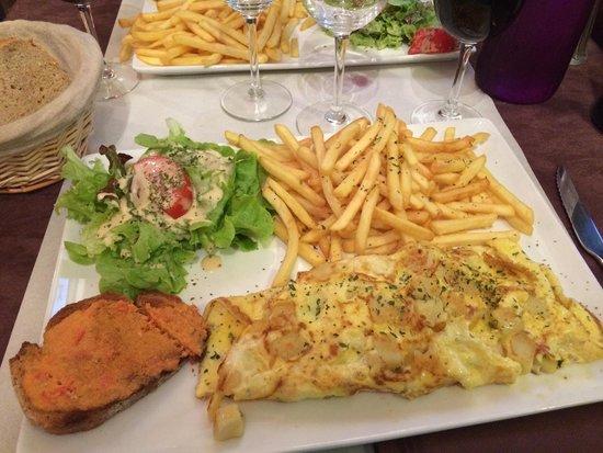Les Quatre Saisons: Omelette aux pommes de terre! Très bon rapport qualité/prix.