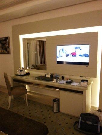 Premier Le Reve Hotel & Spa (Adults Only): large TV unit.