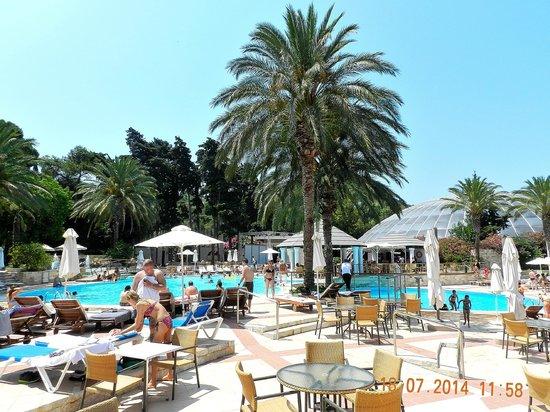 Rodos Palace : Vista piscina