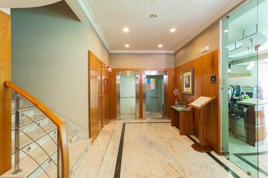 Hotel Ciudad de Compostela: RECEPCIÓN