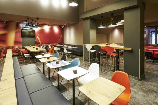 Ibis Strasbourg Centre Gare : salle petits déjeuners
