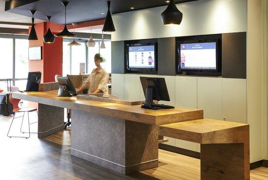 Ibis Strasbourg Centre Gare : Réception