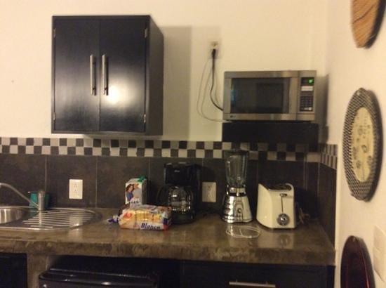 Hotel Suites Nadia: parte de la cocina