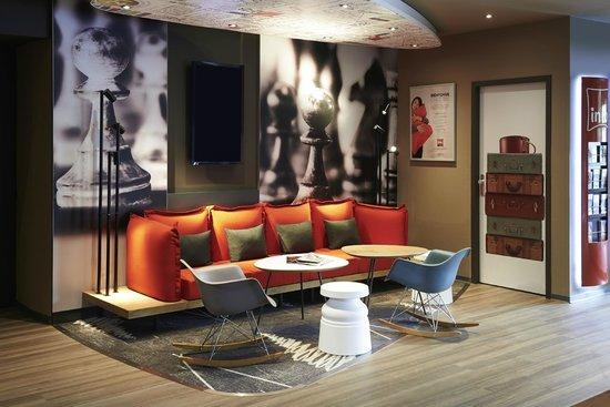 Ibis Strasbourg Centre Gare : espace lounge