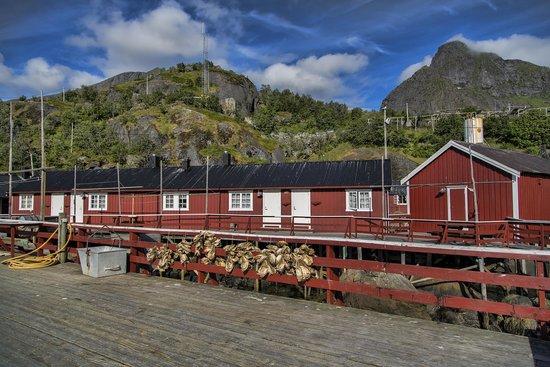Nusfjord Rorbuer: Rorbu surroundings
