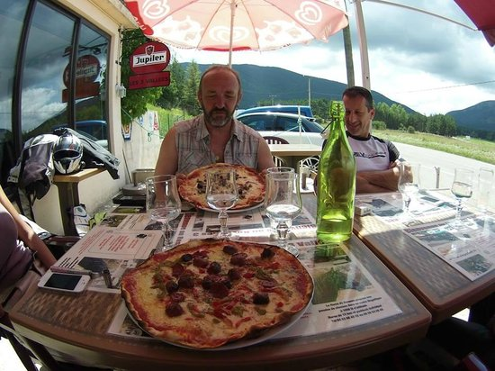 Resto 3 Vallees: Bien belles et bonnes pizzas