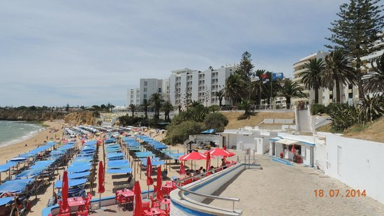 Holiday Inn Algarve - Armacao de Pera: Hotel & beach