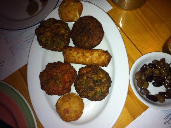 Tamam Restaurant : Surtido de croquetas (poikilia) lo recomiendo