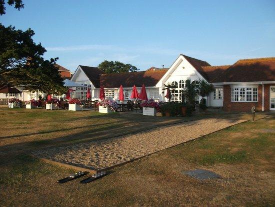 Warner Leisure Hotels Bembridge Coast Hotel: Bembridge beach hotel