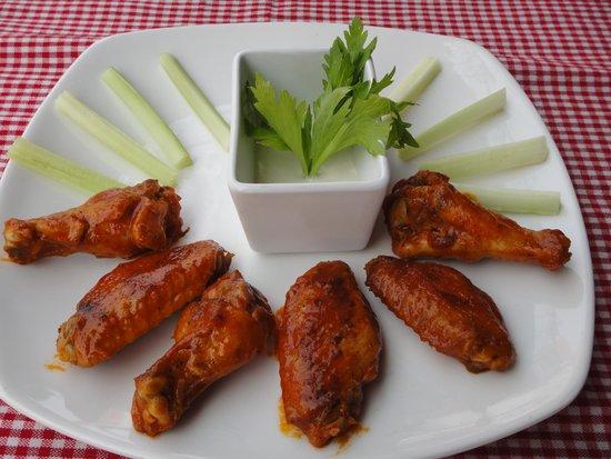 Belmiro's Pizza & Subs : Buffalo Wings