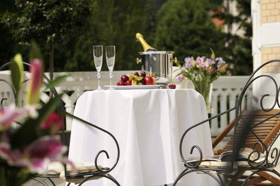 Savoy Westend Hotel: terrace
