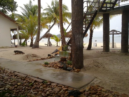 Malibest Resort: Beach Front