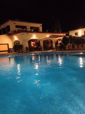 Gran Hotel Rey Don Jaime: Piscine