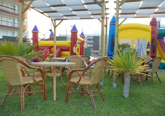 Carabela Beach & Golf Hotel: Castillos hinchables