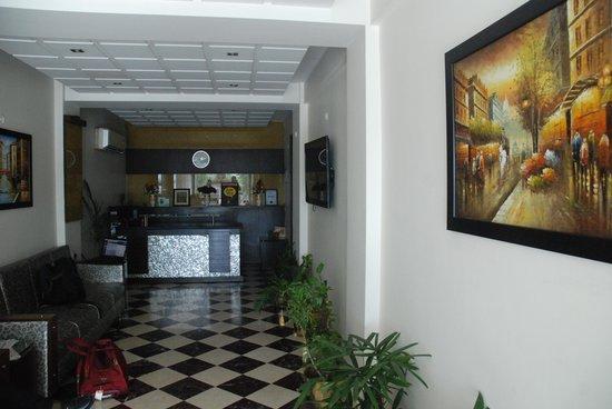 Hotel Panna Paradise: Hotel Lobby