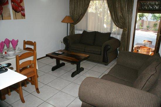 Ndiza Lodge and Cabanas : Cabana lounge
