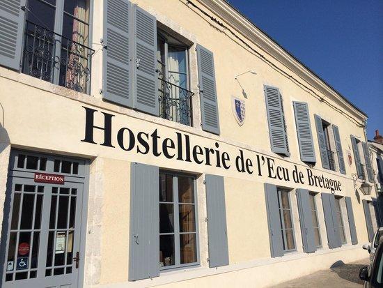 L'Ecu de Bretagne : Au centre du village
