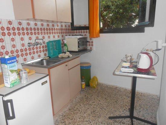 Hotel Zygos: Kitchen