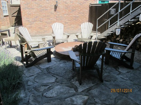 The Old Granary: The heated rear courtyard
