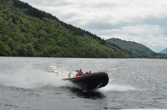 Loch Ness : Lancha rápida.