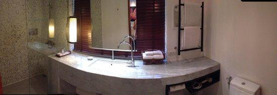 Centara Villas Samui: Garden villa bathroom