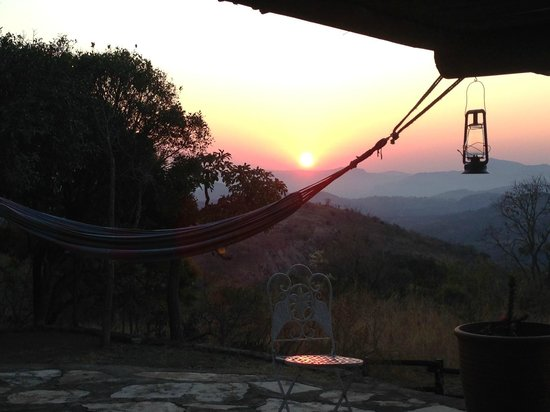 Tomjachu Bush Retreat: The view from our bed as we woke up