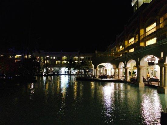 Iberostar Grand Hotel Bavaro : Desde mi ventana, de  noche