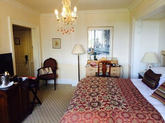 Danesfield House Hotel And Spa: Standard room