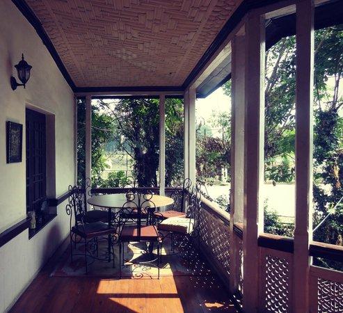 The Dak Hermitage: Entrance Patio
