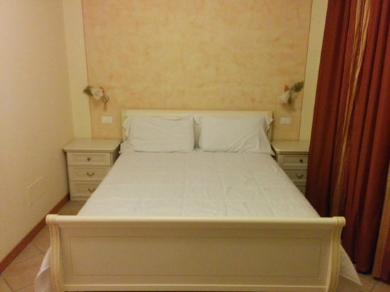 Bertoletta Village: Il letto della camera matrimoniale