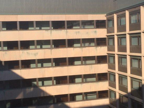 Original Sokos Hotel Presidentti: Binnenplaats uitzicht. Strak en onpersoonlijk