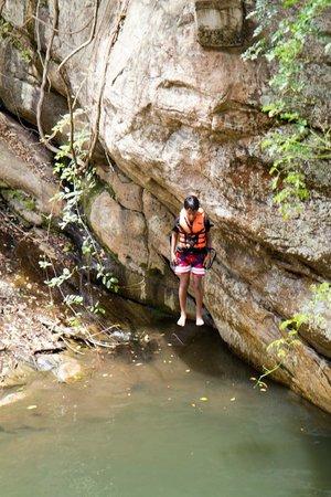 Ella Jungle Resort: The dive off the rock