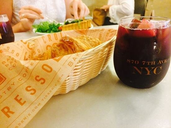Tisserie : cheese croissant and sangria