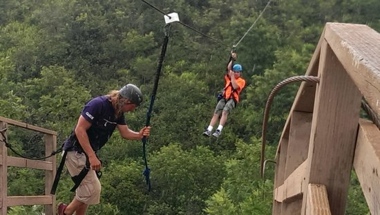 Skyline Eco-Adventures Zipline Tours : Coming in for a landing.......