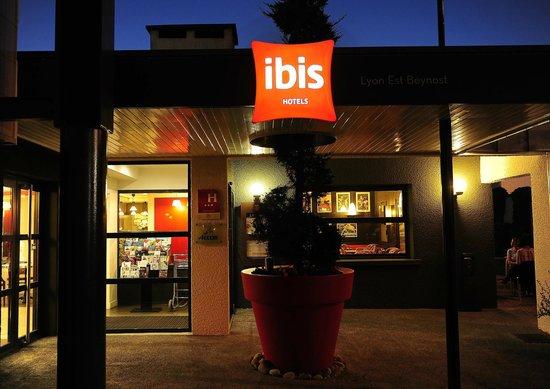 Ibis Lyon Est Beynost A42: .