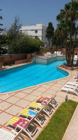 Hotel Kamal: La vue de notre chambre côté piscine