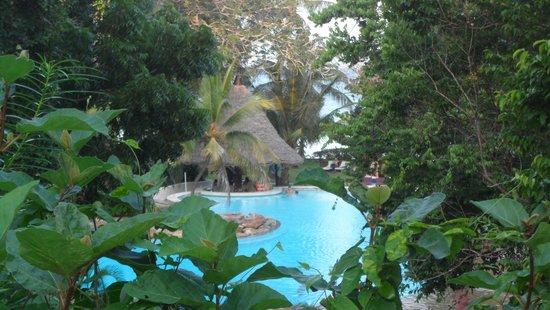 Papillon Lagoon Reef: tuin + zwembad
