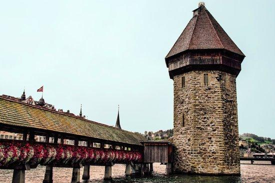 Chapel Bridge (Kapellbrucke): Water tower