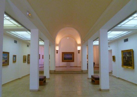 Musée de l'Annonciade (Musée de Saint-Tropez) : interior upstairs