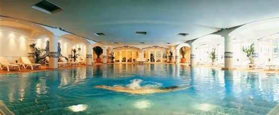 Grand Hotel du Golf & Palace: Piscine