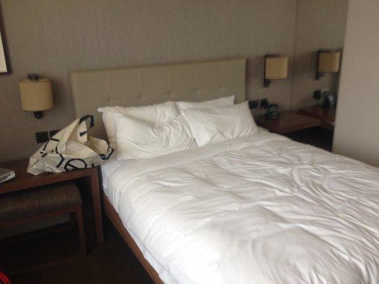 Hilton Leeds City: Deluxe double room