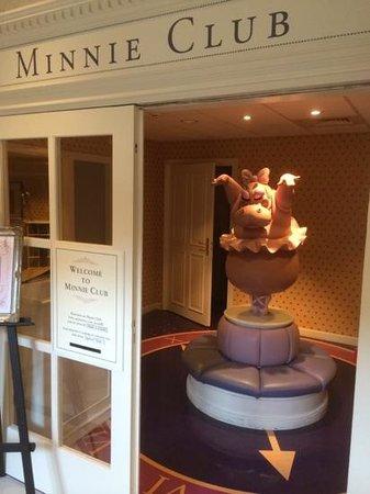 Disneyland Hotel: kids club