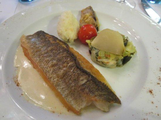 Romantik Hotel Du Parc : Hoofdgerecht : vis zonder smaak