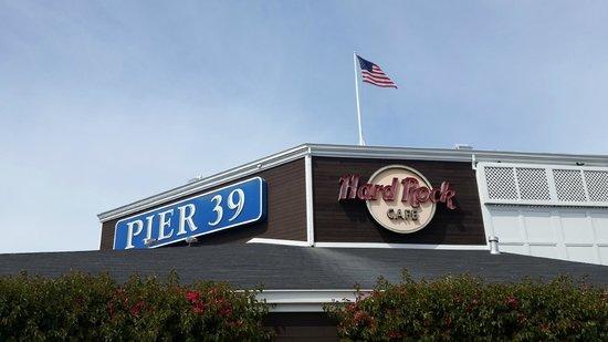 Hard Rock Cafe : вход