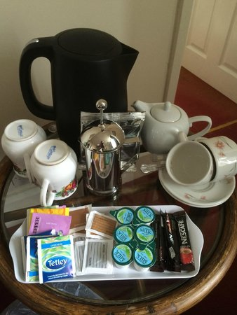 Mellington Hall Hotel: Complementary beverage tray
