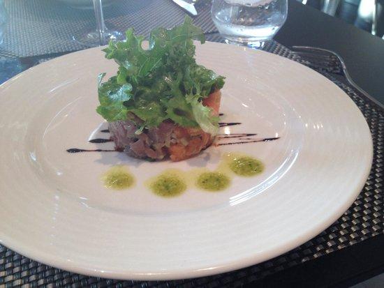 B Com Brasserie : Tartare de saumon