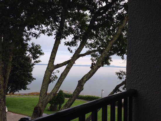 Holiday Inn Bar Harbor Regency: View from 3rd floor balcony. Proctor wing