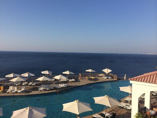 Reef Oasis Blue Bay Resort: Вид от главного ресторана